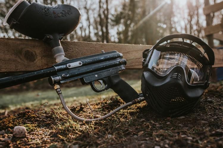Paintball Warton Mask and Gun